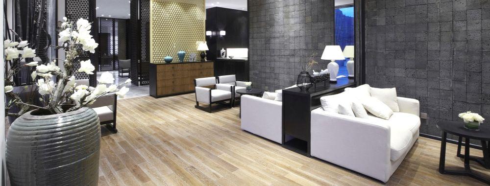 pavimento in laminato effetto legno per hotel e alberghi