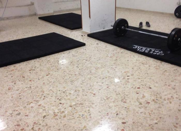 Pavimento crossfit anti shock per palestre - Piastrelle gomma antitrauma ...