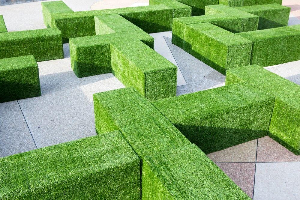 Erba sintetica resistente al calpestio frequente for Prato verde